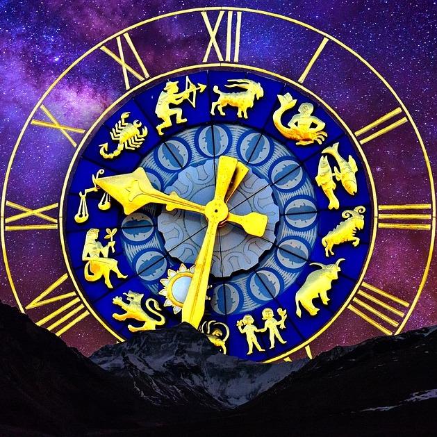 L'oroscopo di agosto e i consigli delle stelle