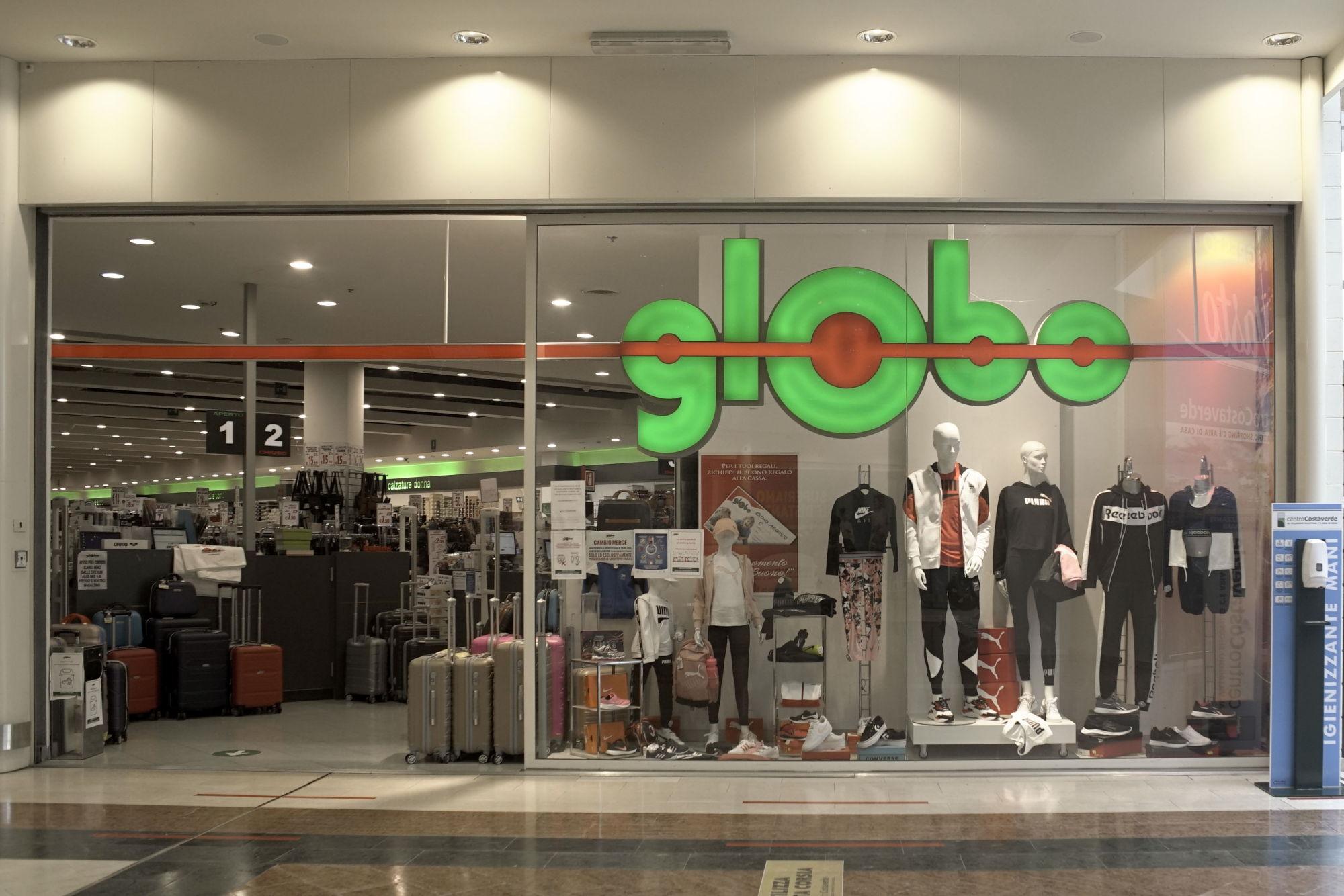 centro-costaverde-globo-centro-commerciale-Montenero-di