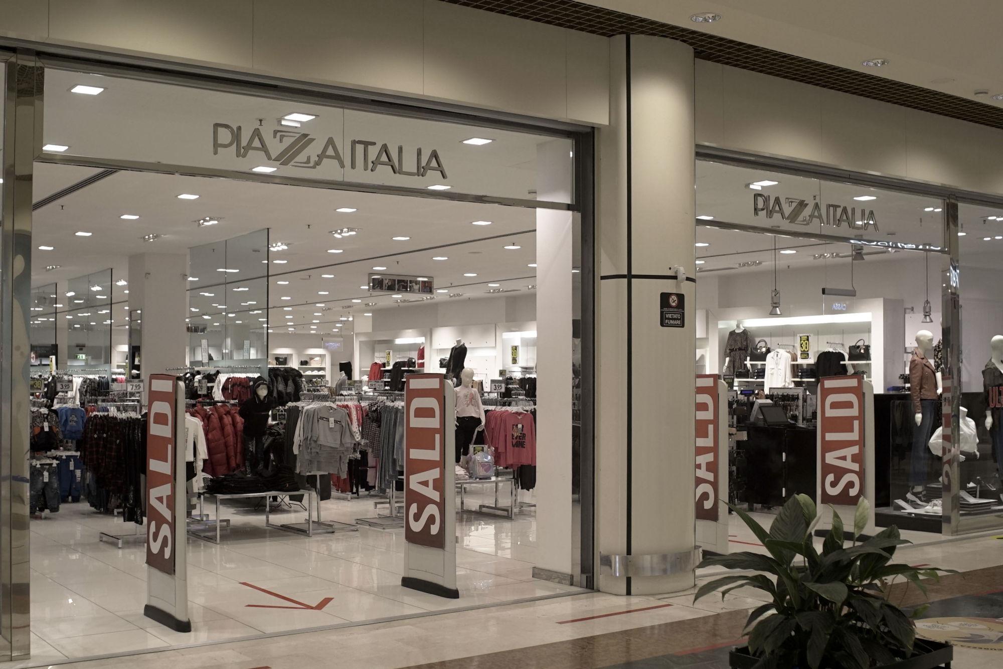 centro-costaverde-piazzaitalia-centro-commerciale-Montenero-di